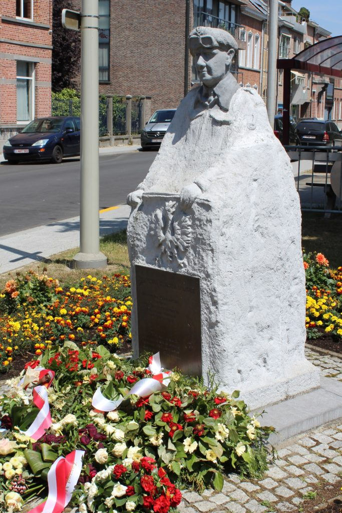 The monument of General Maczek in Beveren © Toerisme Beveren