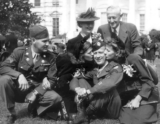 Bud and his proud family at the White House Medal of Honor ceremony. © Congressional Medal of Honor Society